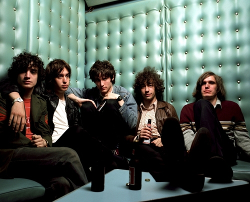 http://whateverichoose.files.wordpress.com/2010/01/the-strokes.jpg